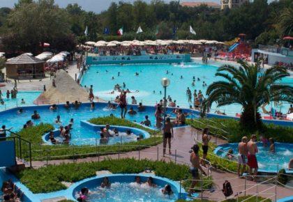 le-caravelle-parco-acquatico-ceriale-piscine